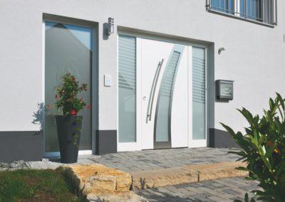 Porte d'entrée colori blanc