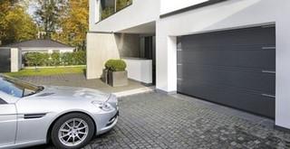 Porte de garage sectionnelle Hörmann (Rogister-Lacroix à Liège)